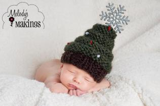 https://www.craftsy.com/knitting/patterns/christmas-tree-hat-knitting-pattern/129427